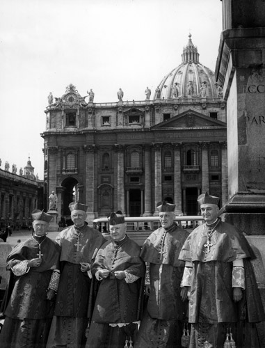 Five U.S. cardinals pose for a photo in St. Peter's Square following a meeting of the second session of the Second Vatican Council in 1963. From left are Cardinals John E. Ritter of St. Louis, James McIntyre of Los Angeles, Francis Spellman of New York, Richard Cushing of Boston and Albert Meyer of Chicago. (CNS file photo)